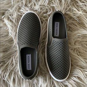 Steve Madden Slip-On Sneakers 6.5 BRAND NEW